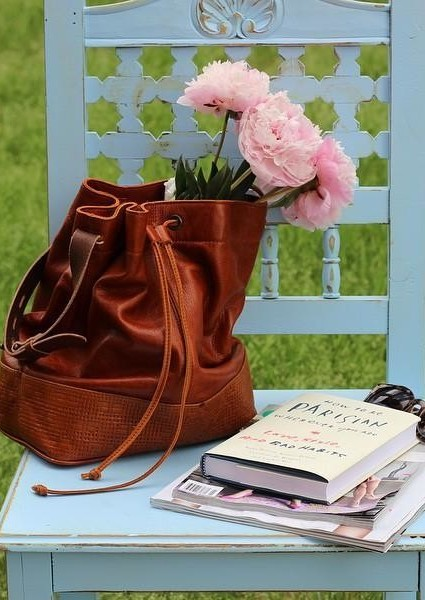 Traveler Bucket Bag