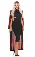 مايا دياب بفستان أسود ضيق
