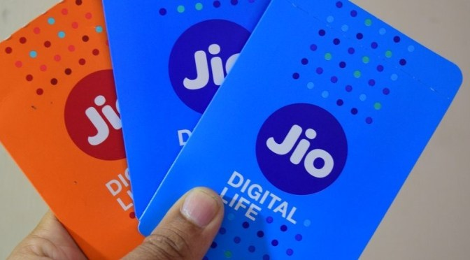 Reliance Jio Offering 4G SIM Home Delivery in Over 600 Towns