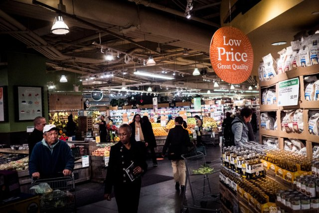 amazon acquires US Grocer Whole Foods Market