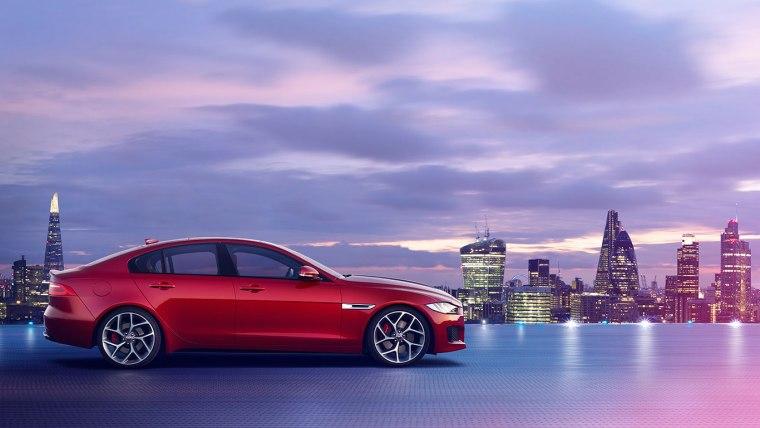 2017 Jaguar XE Exterior