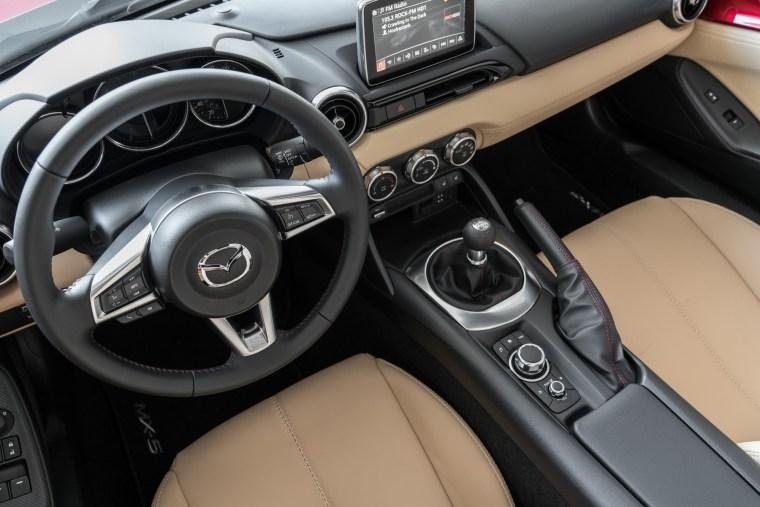 2017 Mazda MX-5 RF - Interior