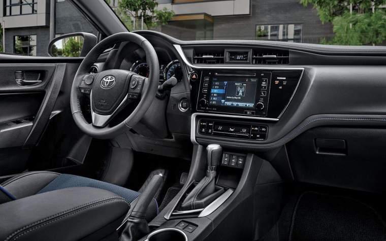 2017 Toyota Corolla Interior Front Dash