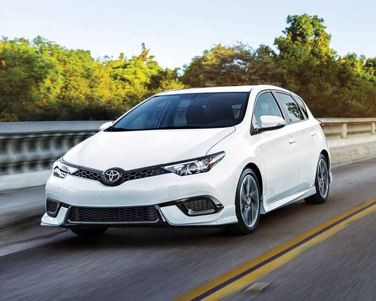 2017 Toyota Corolla iM Exterior White