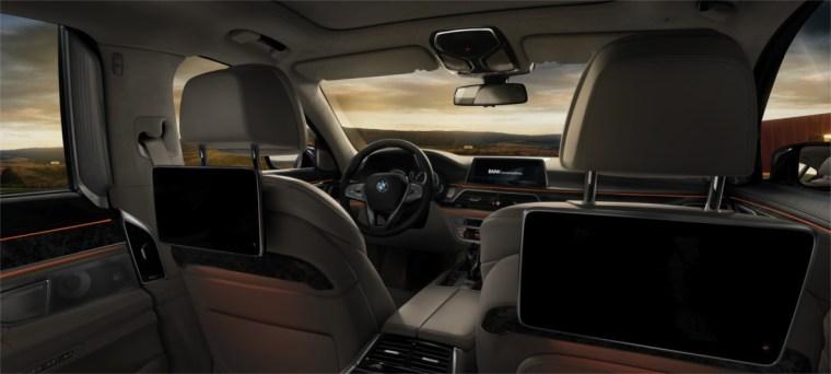 2017 BMW 750i xDrive Interior