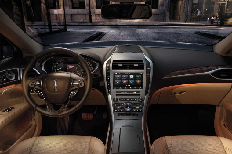 2018 Lincoln MKZ - Front Dash