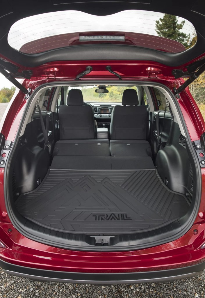 2018 Toyota RAV4 - Interior Rear Seats Folded