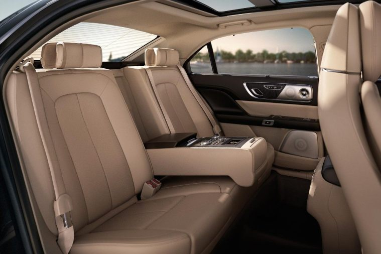 2018 Lincoln Continental - interior Rear seats