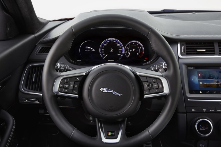 2018 Jaguar E-Pace - Interior Steering