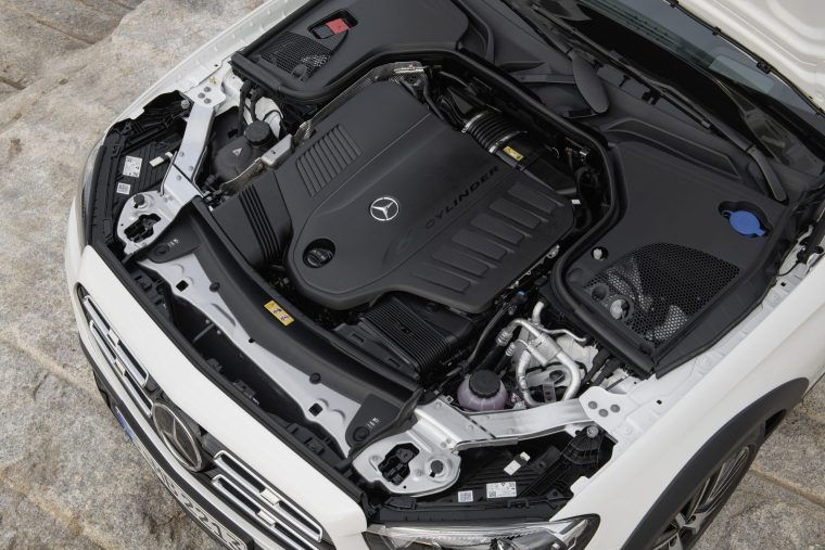 2020 Mercedes-Benz E 450 - Engine