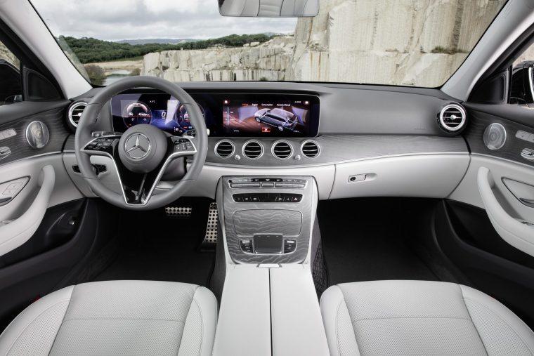 2020 Mercedes-Benz E 450 - Interior Dash