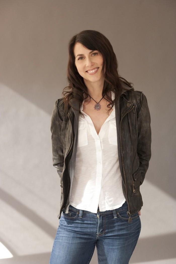 Have You Met Mackenzie Bezos The Novelist And Wife To Jeff Bezos