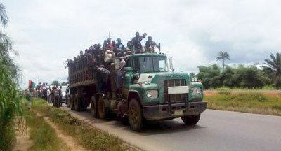 Photos: Thousands Of IPOB Members Move To Kanu's House