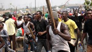 Several Persons Injured As Thugs Attack APC Rally In Cross River