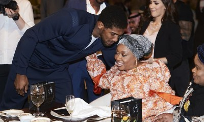 Anthony Joshua and mother 2