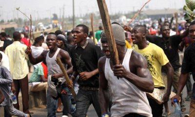 Many people injured as hoodlums clash in Lagos State Top Naija