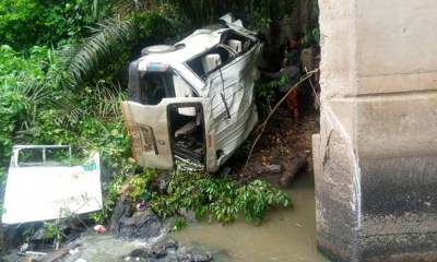 Tears as newly wed man, four others die as 18-seater bus plunges into river in Ondo-TopNaija.ng