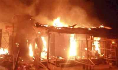 Panic as fire razes over 10 shops in Cross River-TopNaija.ng