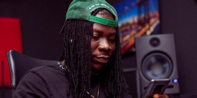 You can't get Ghanian singer Stonebwoy to say anything good about Nigerian Jollof no matter how hard you try
