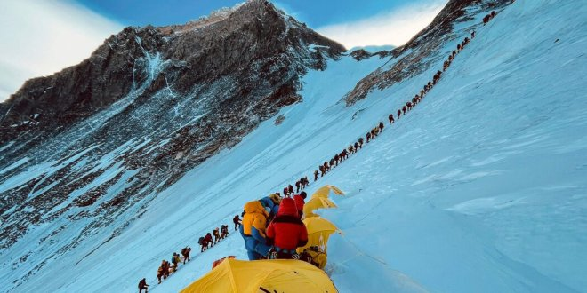 Dozens Came Down With Covid-19 on Everest. Nepal Says It Never Happened.