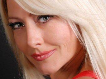 Известная украинская певица Оксана Хожай умерла от редкой ...