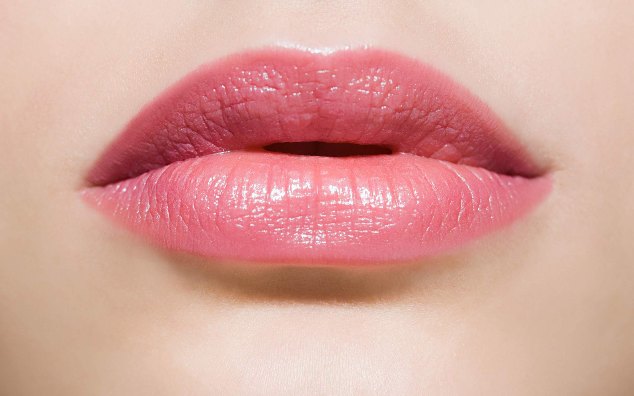 5 naturally ways to make your lips soft and pink