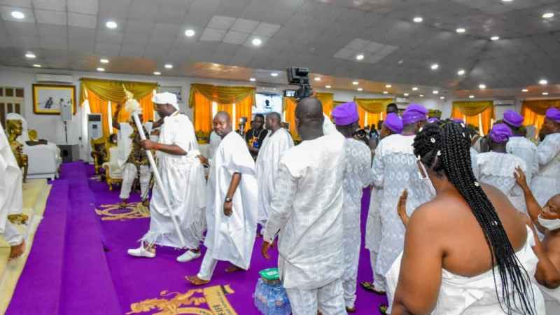 Over 1,000 Yorùbá Women In Diaspora Visit Ooni, Insist On Yorùbá Nation