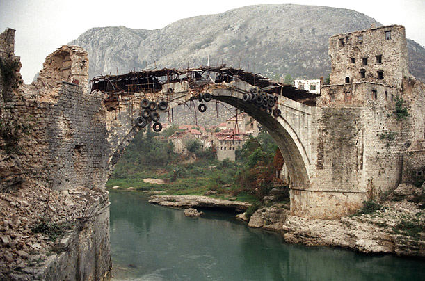 mostar-bridge-destruction