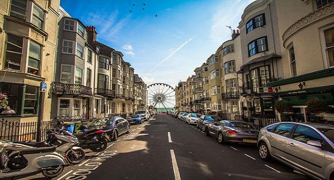 10 อันดับโรงแรมยอดนิยมชมปราสาทเดอะรอยัล พาวิลเลี่ยน (Royal Pavilion) เมืองไบรตัน (Brighton) ประเทศอังกฤษ (England)
