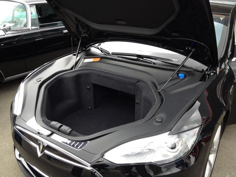 Передний багажник TeslaModelS