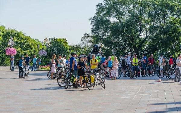 Горячее утро в Одессе: два митинга у мэрии (фото ...