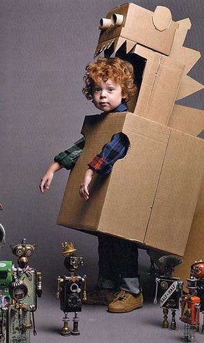 Disfraz de dinosaurio de cajas de cartón.