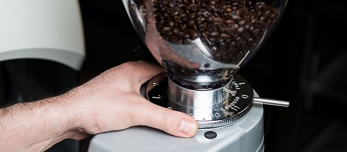 Best Coffee Grinder for Cold Brew coffee-grinder-settings