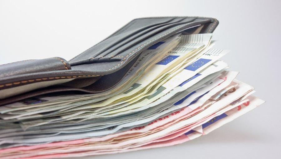 Почиње исплата рате ученичких стипендија и кредита