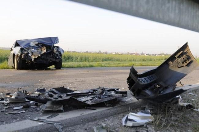 У судару аутобуса и таксија у Крагујевцу погинула једна особа