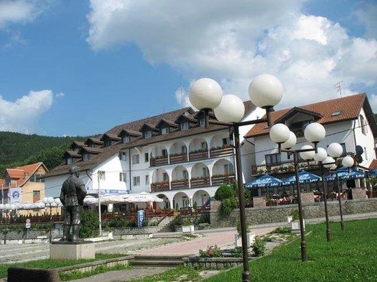 На Руднику отворен хотел, оживљава планина у срцу Шумадије