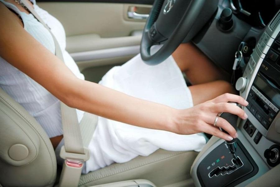 У Србији само 37 одсто жена има возачку дозволу