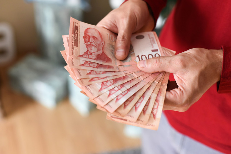 Сутра исплата пола минималца за 1.140.000 запослених