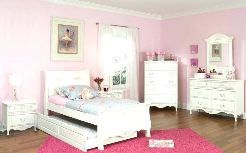 girl by girls bedroom furniture sets