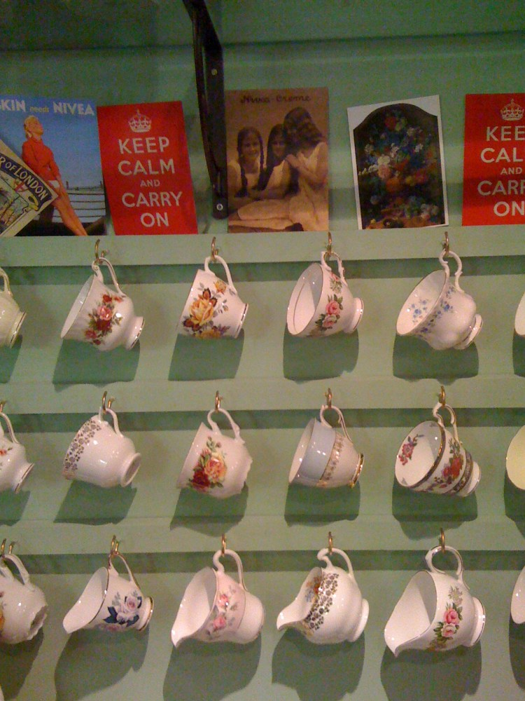 Review of Yaxley vintage tearoom (1/4)