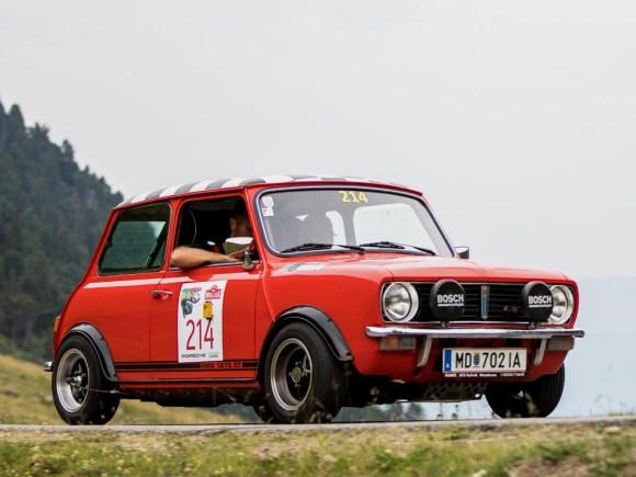 Radinger/Wagner am Sölkpass im Mini 1275 GT (c) Ennstal-Classic / Martin Huber