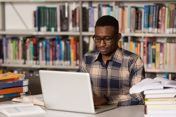 HOW TO EARN MONEY WHILE YOU STUDY ABROAD AS A NIGERIAN STUDENT