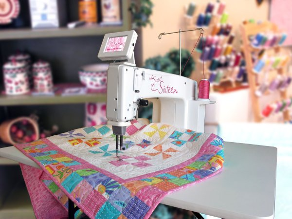 The HQ Sweet Sixteen® 16-Inch Sit-Down Longarm Quilter