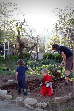 Helping to dig the garden, Topsy Turvy Tribe