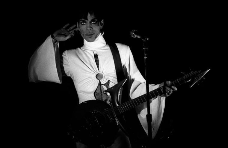 """Prince estate shares previously unheard demo of """"Do Me, Baby"""""""