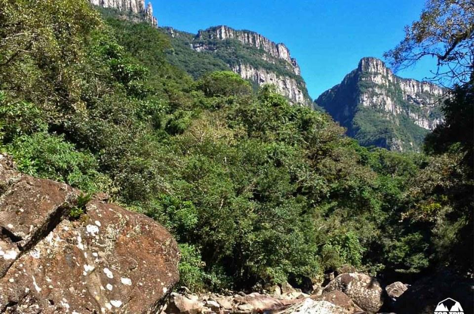 Trilha do Tigre Preto - Dentro de um gigante Cânion Fortaleza