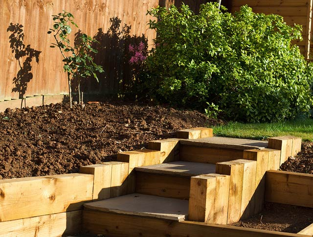 Raised Garden Edge Ideas