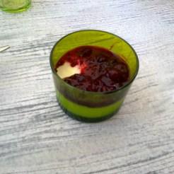 Panna cotta aux coulis de fruits rouges