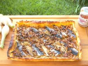 Tarte fine aux oignons nouveaux et aux sardines de Brigitte