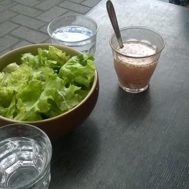 salade avec sa vinaigrette à la framboise